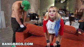 Русская девчоночка принимает в жопу хуй юного любовника